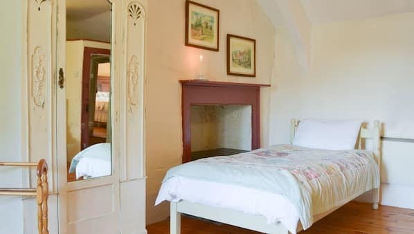 3 bedrooms, free WiFi, bed sheets