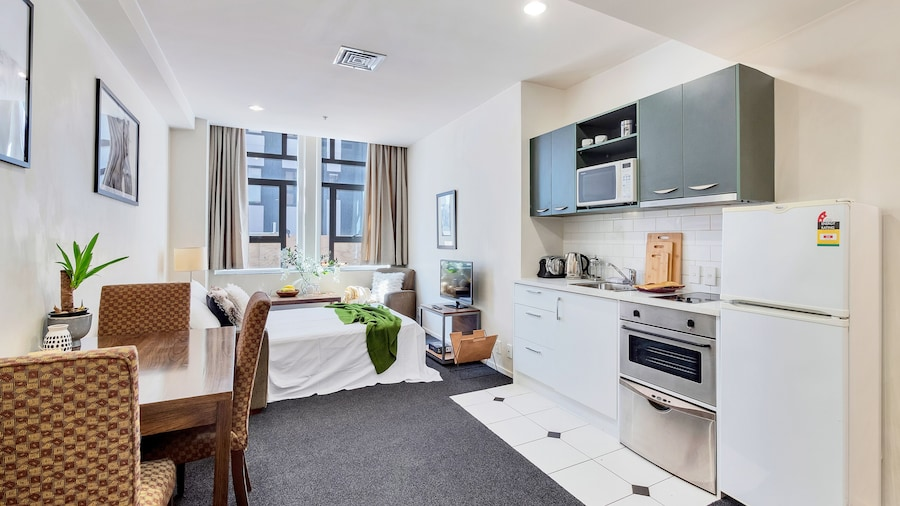 Boutique Hotel Apt 1 BR with Sofa Bed