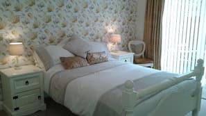 1 bedroom, iron/ironing board, Internet