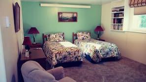 3 bedrooms, desk, travel crib, free WiFi