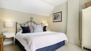3 bedrooms, travel cot, Internet, bed sheets