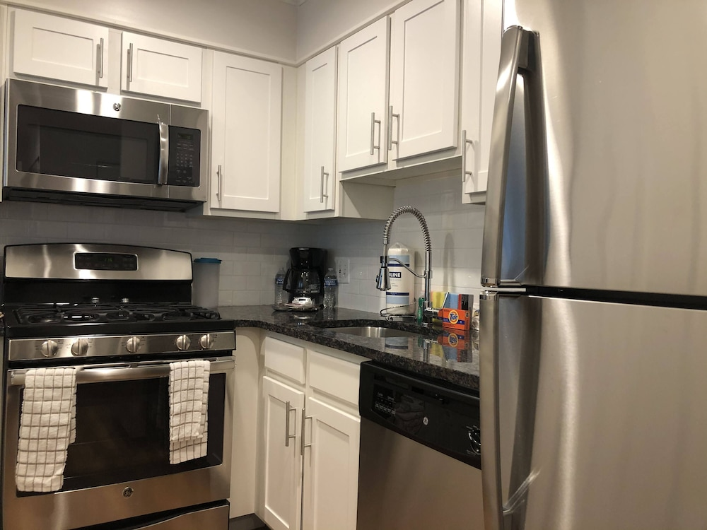 Private Kitchen, North East Downtown Boston Rentals