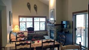 Fridge, microwave, oven, stovetop