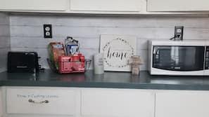 Microwave, oven, stovetop, coffee/tea maker