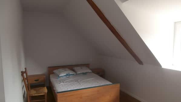 3 Schlafzimmer, Bügeleisen/Bügelbrett