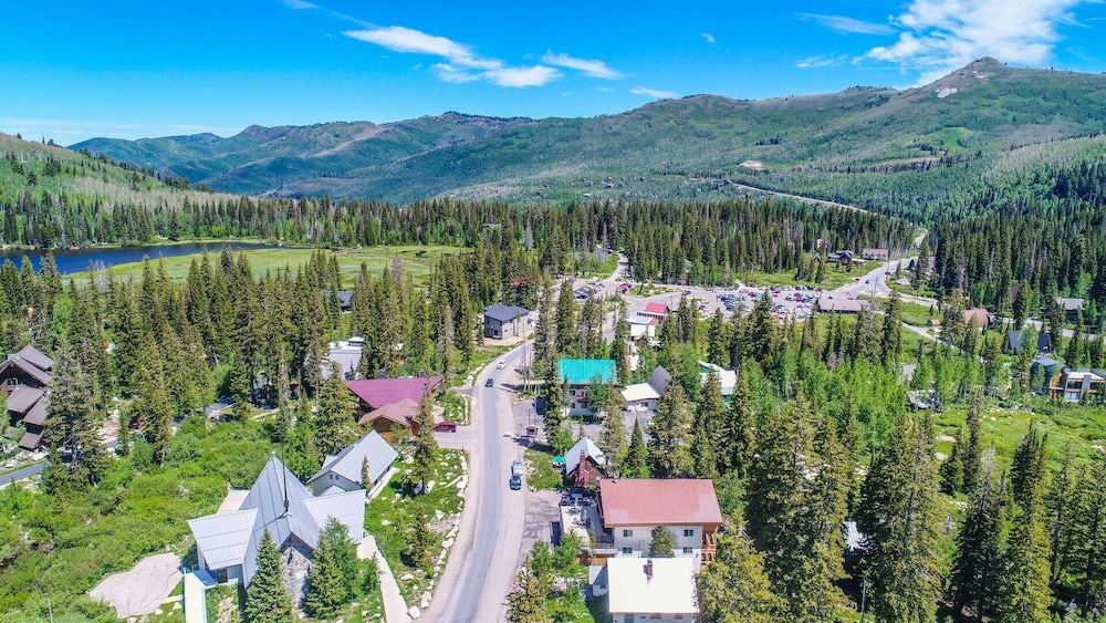 Property Grounds, Brighton Ski Resort, Powder Hound 1 Bedroom Chalet Utah