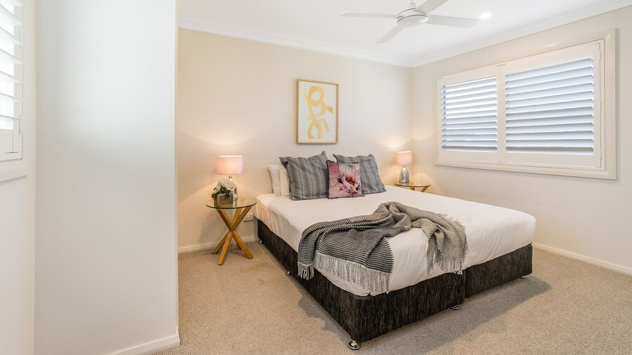 Newcastle Short Stay Apartments - Adamstown Townhouses