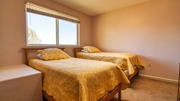 3 makuuhuonetta, internet, vuodevaatteet
