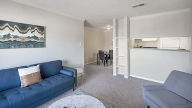 Relaxing Condo Near Midland College