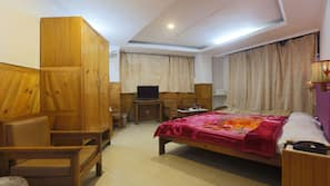 Minibar, iron/ironing board, rollaway beds, free WiFi