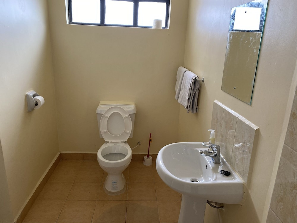 Bathroom, Lifestyle Villas, Nanyuki