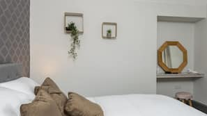 3 bedrooms, desk, iron/ironing board, WiFi