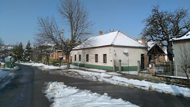 Small Village, Small Guest House, Wine and Relax in Wineregion Neszmely