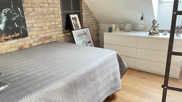 1 bedroom, iron/ironing board, free WiFi, bed sheets