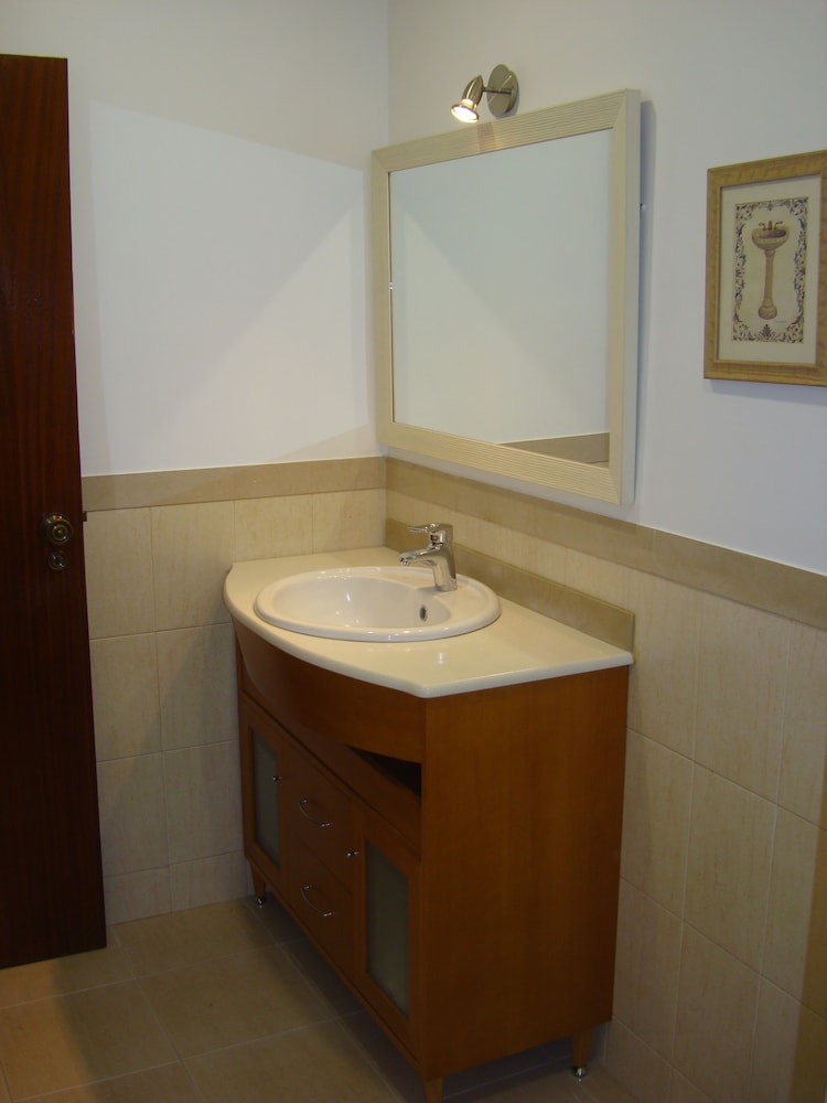 Bathroom, 1bed Tagus River View