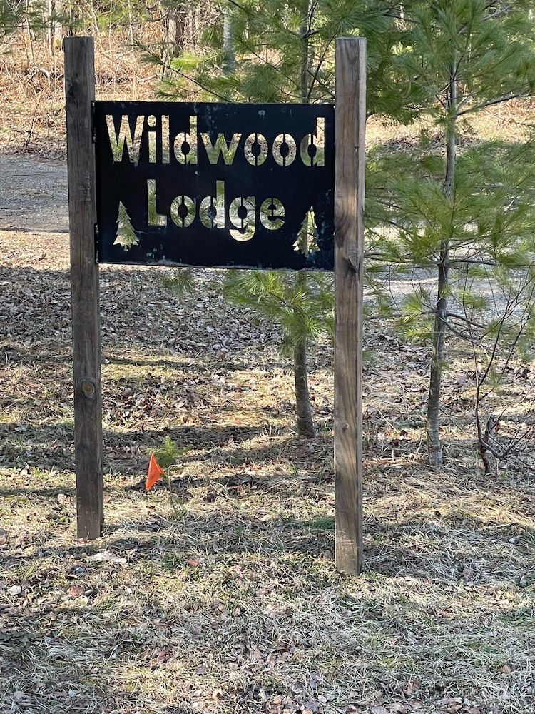 Property Grounds, Cozy Lodge Nestled in a Beautifully Wooded Setting - Pet Friendly