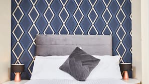 2 bedrooms, memory-foam beds, iron/ironing board, Internet
