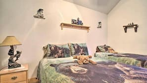 2 makuuhuonetta, työpöytä, Wi-Fi, vuodevaatteet