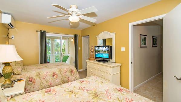 2 bedrooms, desk, iron/ironing board, WiFi