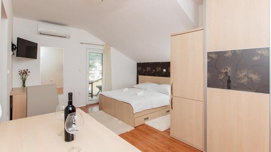 Apartments Barac Podstrana