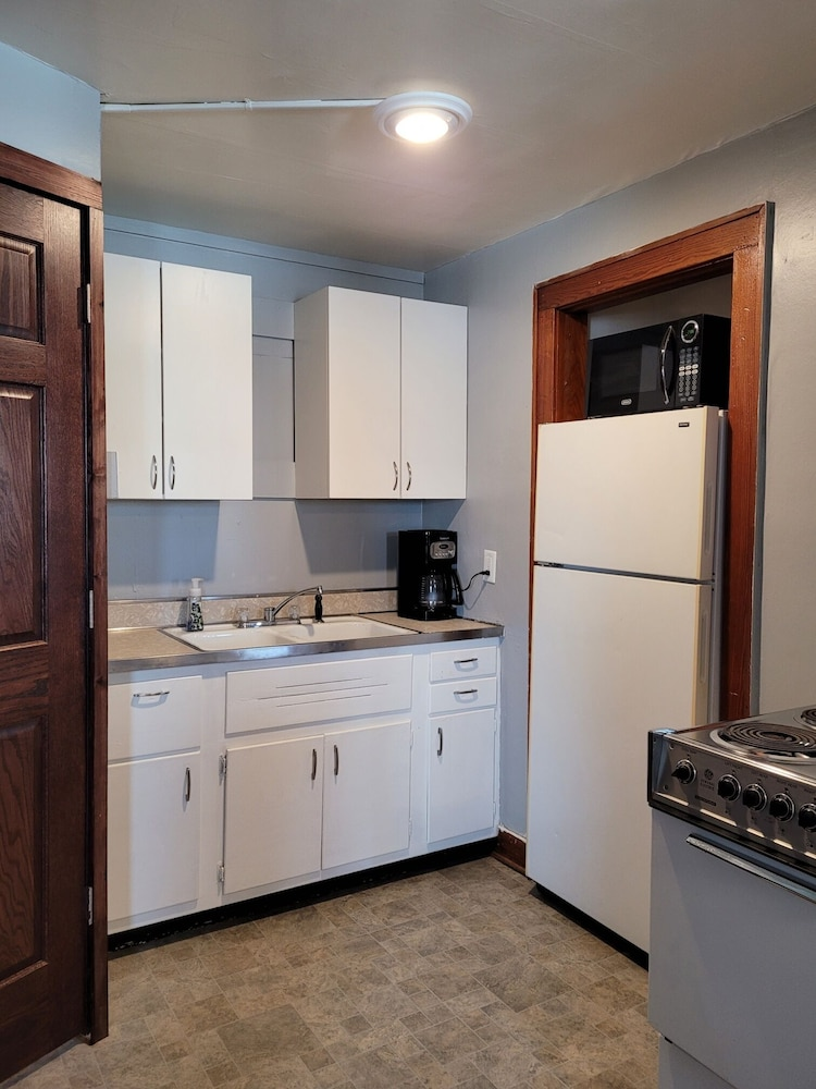 Private Kitchen, Cute & Cozy 1 Bedroom Apartment - Sleeps 4