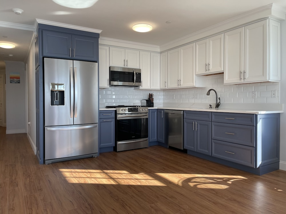 Private Kitchen, Cape Cod Oceanfront Beachfront New Condo With Ocean View & Private Sandy Beach!