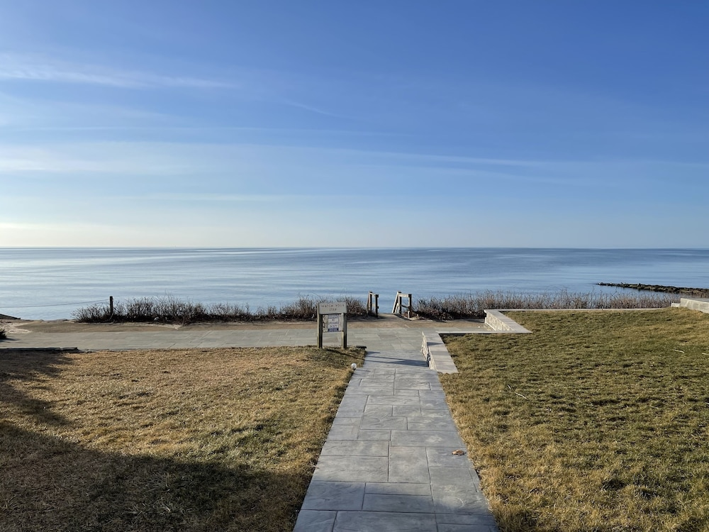 Beach, Cape Cod Oceanfront Beachfront New Condo With Ocean View & Private Sandy Beach!