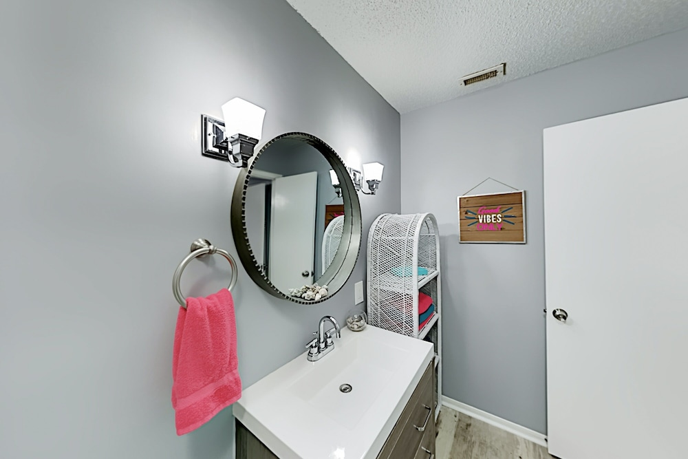 Bathroom, 4061stst 2 Bedroom Townhouse