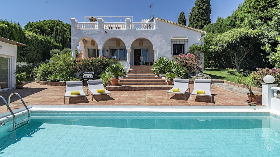 FJ- Private finca with stunning views