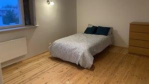 4 Schlafzimmer, Bügeleisen/Bügelbrett, kostenloses WLAN, Bettwäsche