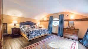 1 bedroom, laptop workspace, bed sheets