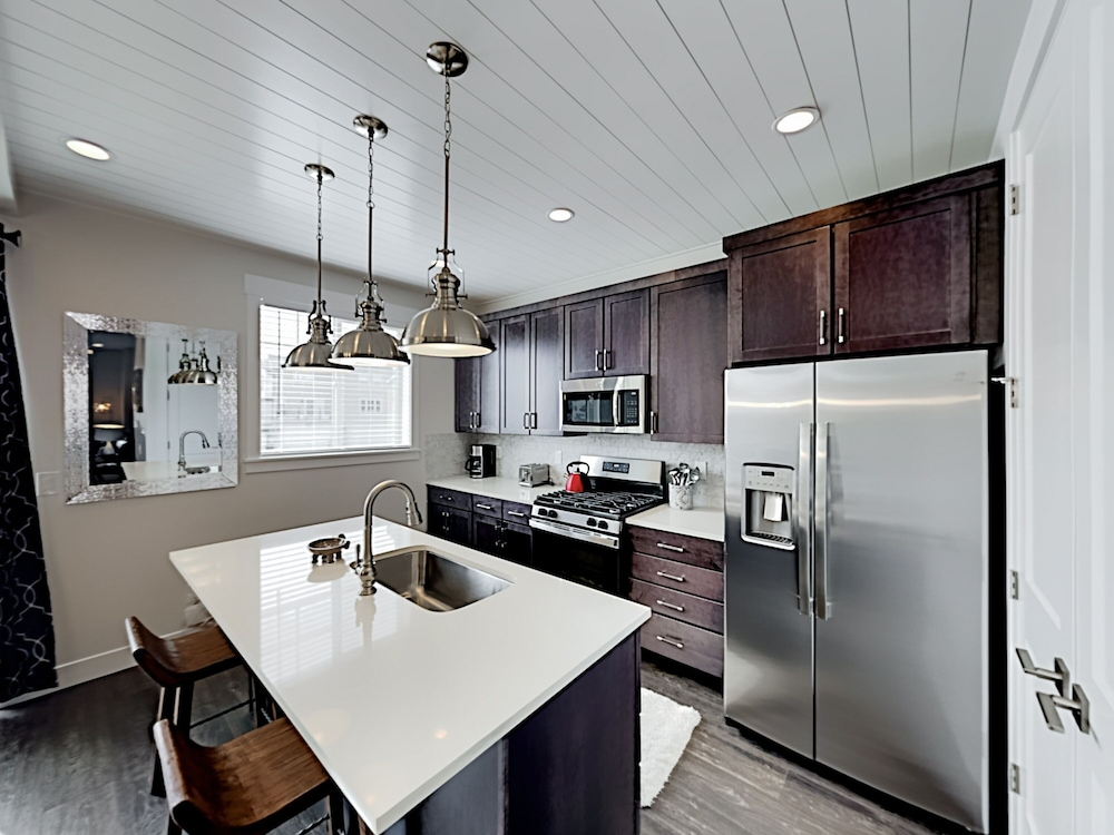 Private Kitchen, Exceptional Vacation In Kamas 4 Bedroom Townhouse