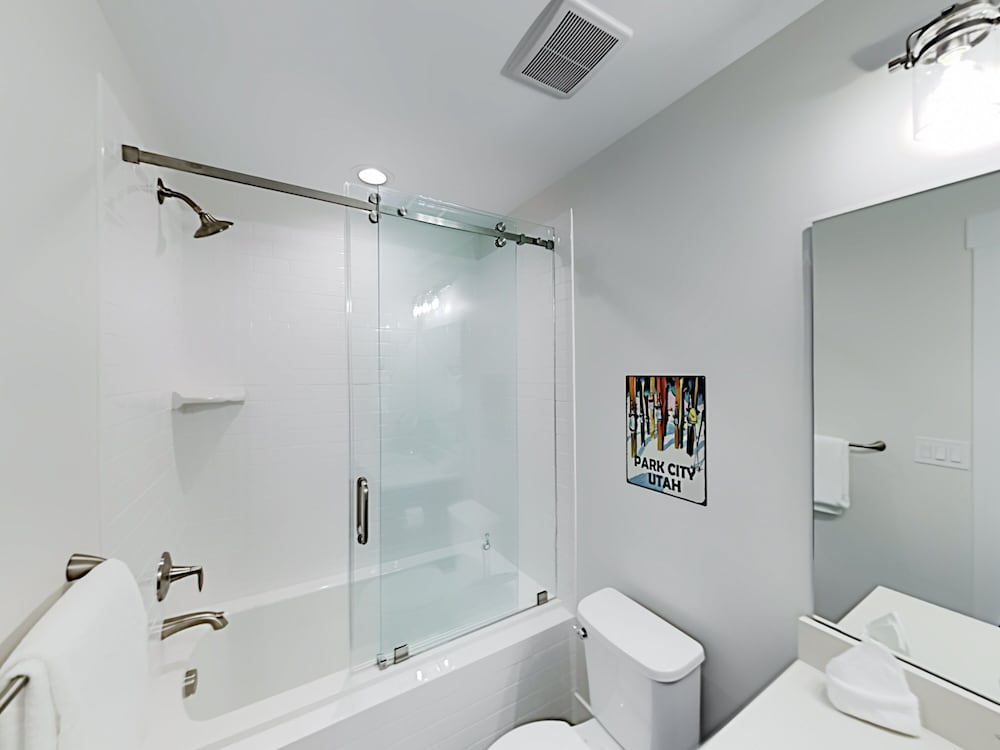 Bathroom, Exceptional Vacation In Kamas 4 Bedroom Townhouse