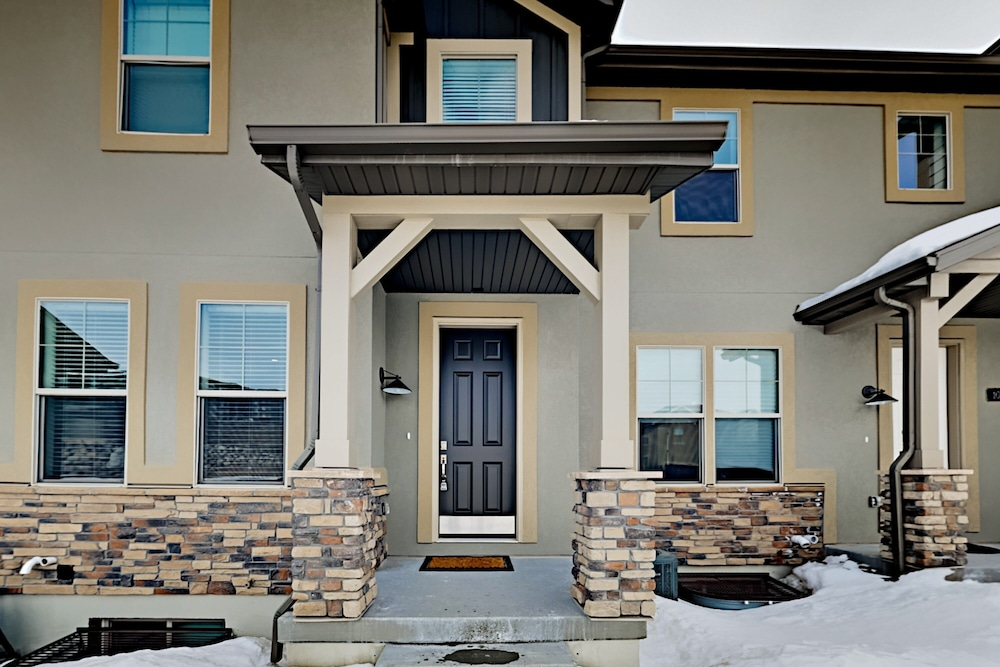 Exterior, Exceptional Vacation In Kamas 4 Bedroom Townhouse