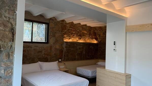 6 dormitorios, tabla de planchar con plancha, wifi gratis y ropa de cama