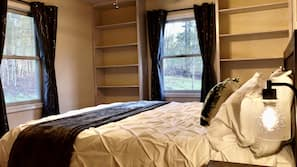 2 bedrooms, desk, free WiFi, bed sheets