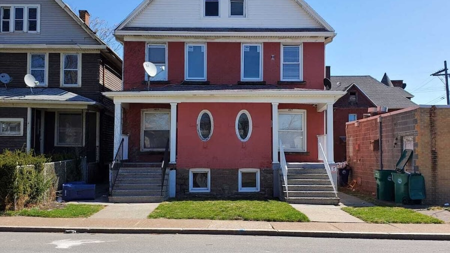 The Blackjack Duplex - Private Yard & Parking, Minutes From Falls & Casino by Niagara Hospitality