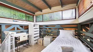 3 bedrooms, bed sheets