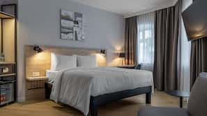 Premium bedding, in-room safe, blackout drapes, soundproofing