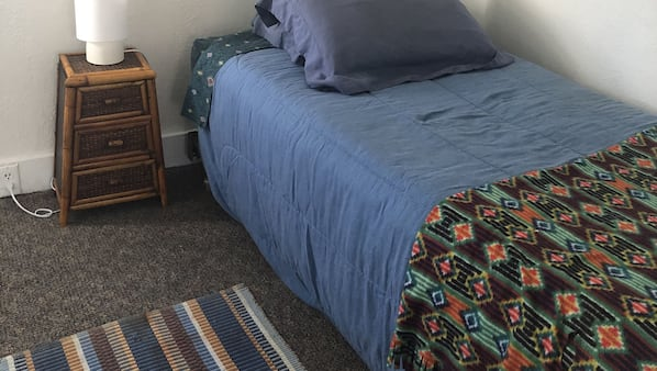 2 bedrooms, desk, travel crib, bed sheets
