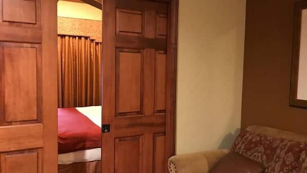 Iron/ironing board, travel crib, WiFi