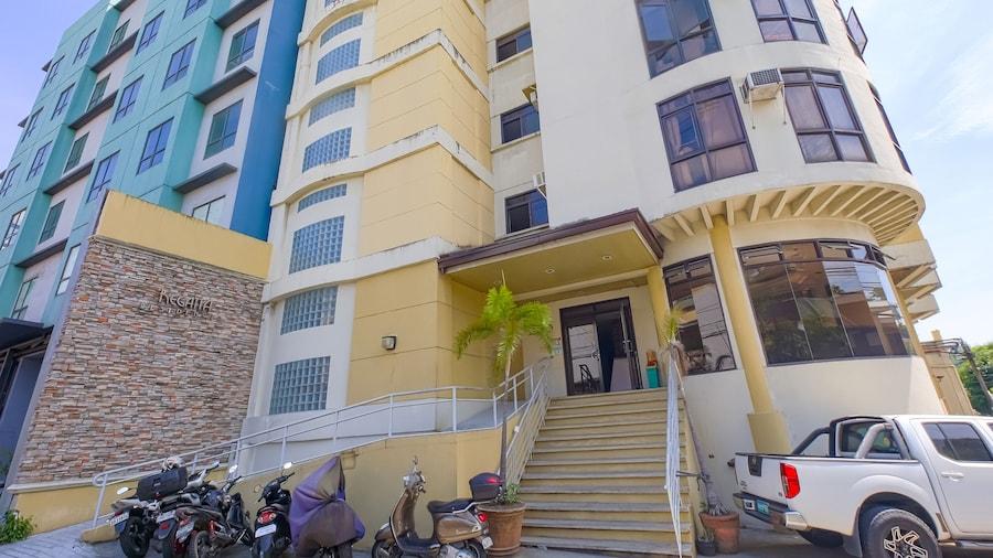 OYO 794 Regatta Residences