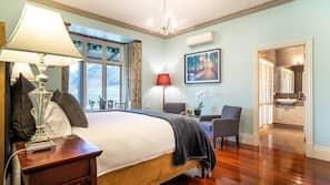 1 bedroom, Egyptian cotton sheets, premium bedding, down duvets