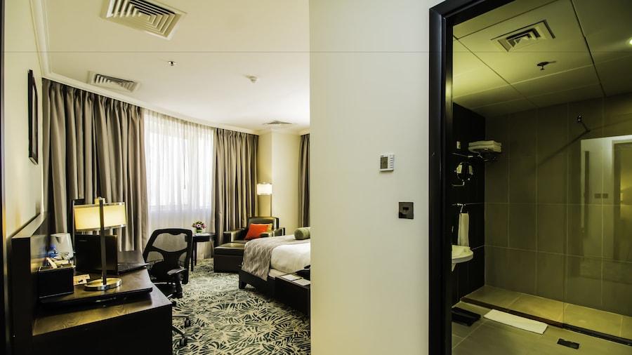 The Royal Riviera Hotel
