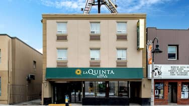 La Quinta Inn & Suites by Wyndham Oshawa