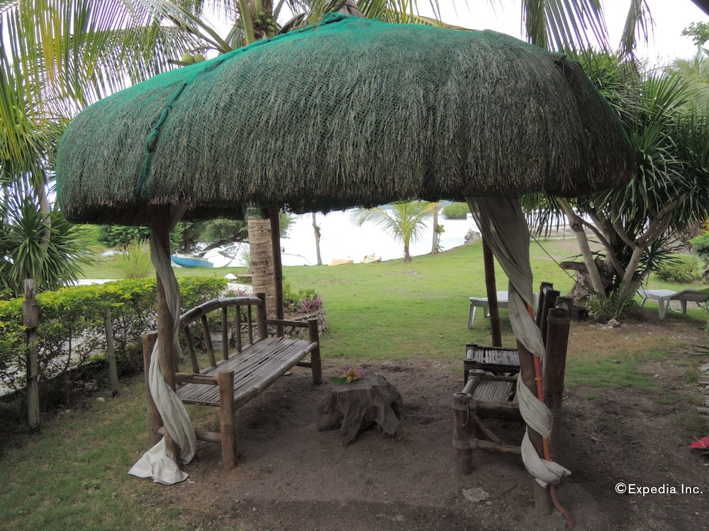Gazebo, Moalboal Beach Resort