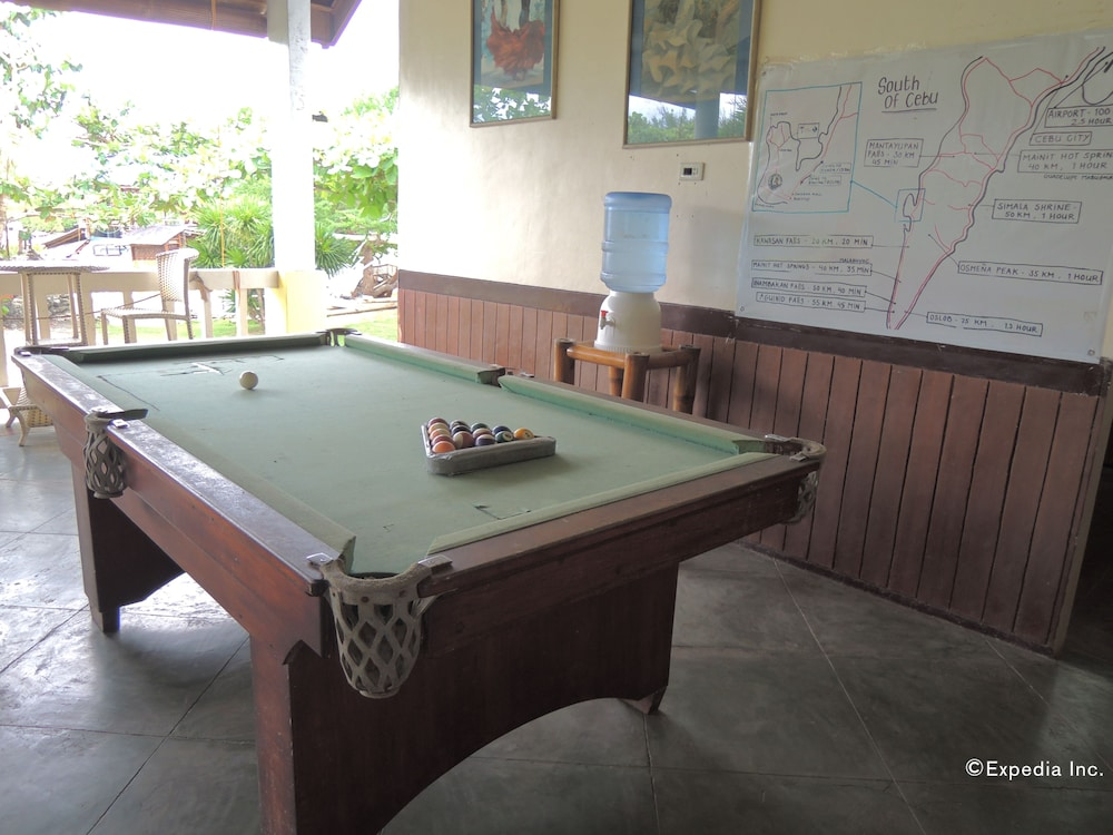 Billiards, Moalboal Beach Resort