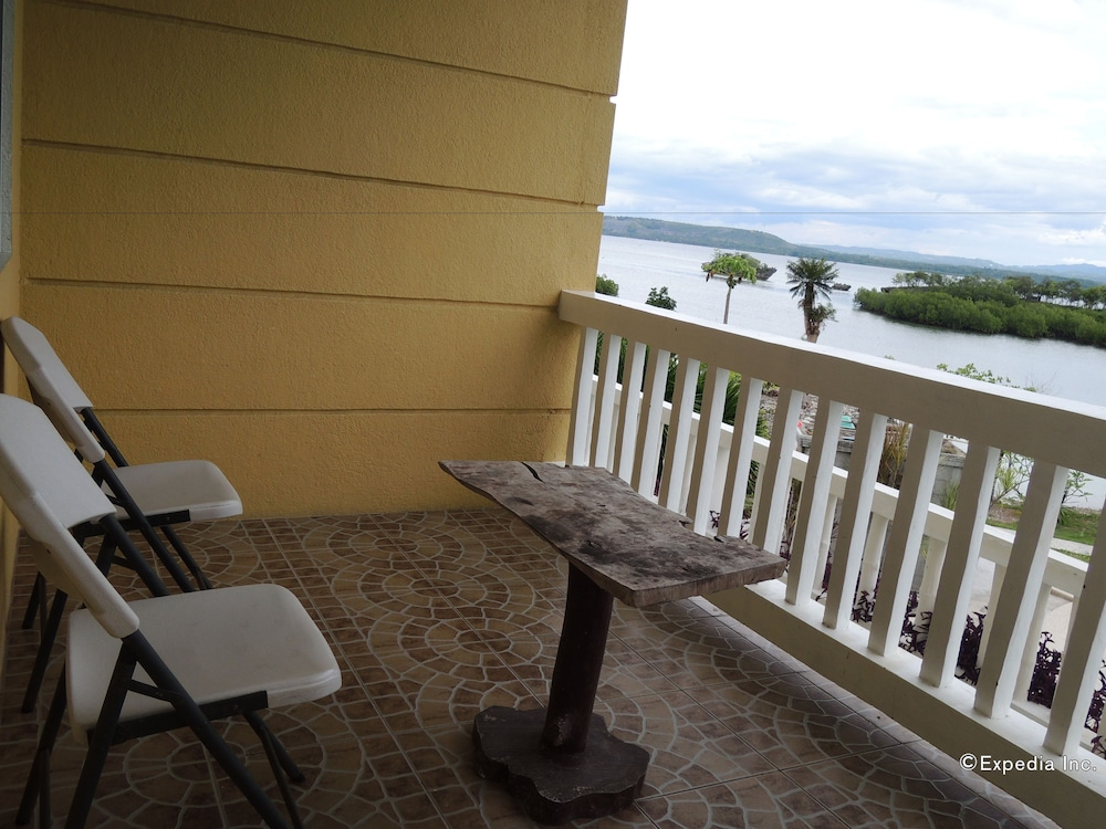 Porch, Moalboal Beach Resort