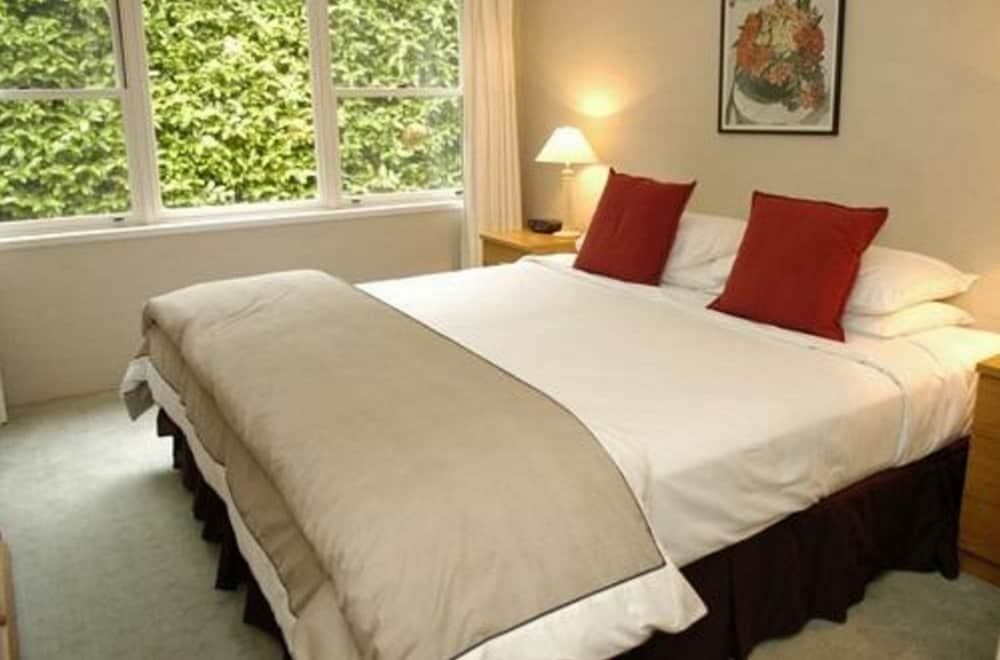 Hotel deals bowral