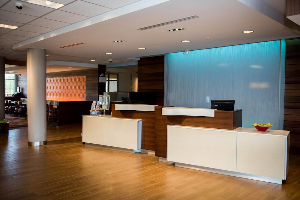 Lobby, Fairfield Inn & Suites by Marriott Moncton